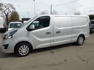 Used VAUXHALL VIVARO in Tolworth Surrey for sale